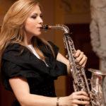 Saxophonistin Monika